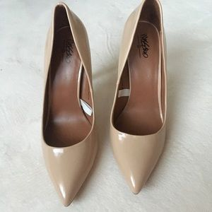 Nude pointy toe heels size 8